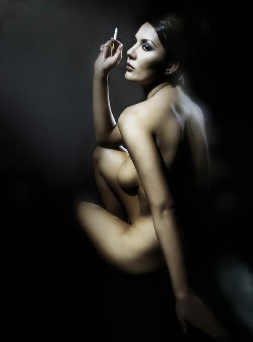 Aktfotografie, Aktfoto Studio,nackte, fine nude art, Fotografie und Kunst,nude prints, aktfotos workshop, Workshop Aktfotografie, Aktfotos im Studio, Aktmodel, Aktmodelle, Aktfotografie Essen, Aktfoto