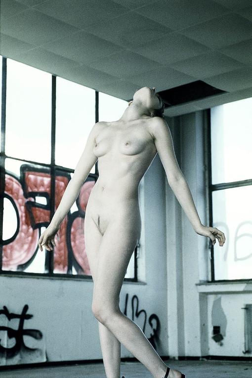 Aktfotografie, Aktfotos im Studio, Aktmodel, Aktmodelle, Aktfotografie Essen, Aktfotografie Düsseldorf, Kunstfotografie, Kunstfotograf, Kunst, der Akt, die Nackten, nude body, Workshop Aktfotografie