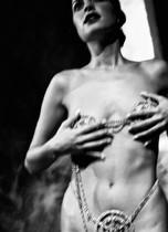 fine art nude, nude photos, nude photography, nude women, art nudes, aktfotograf, Fotoshooting für Nacktfotos, aktfotograf Essen, Aktfotograf Düsseldorf, Akfotograf Ruhrgebiet, Aktfotografie, erotische Fotografie, erotic, erotic Art, Akt in der Kunstfot